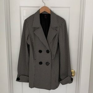 Jackets & Blazers - Wrapper Trench Coat, Black and Cream, Size XL